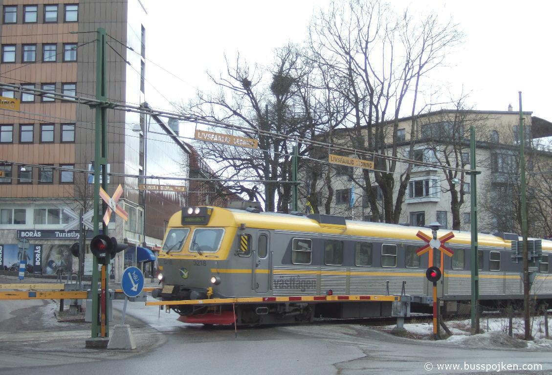 X14 class EMU 3218, Borås Övre.