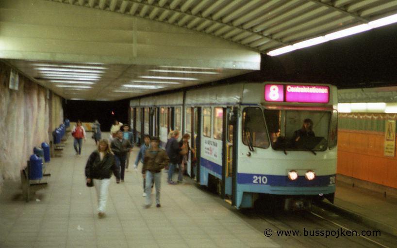 From left 218-210, route 8 in Hammarkullen.