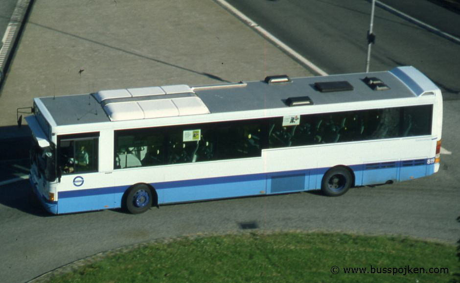 GS 819 in the roundabout by Kungssten in 2000.