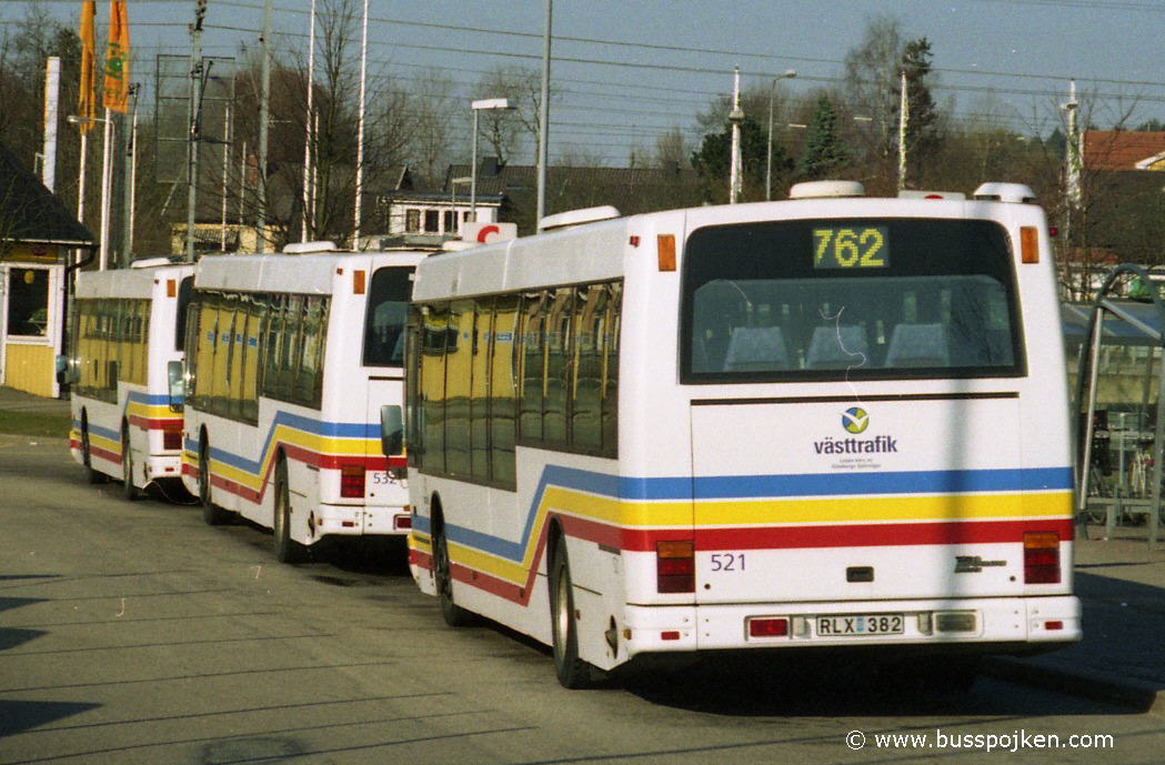 GS 507, 532, 521 by Lindome station in 2002.