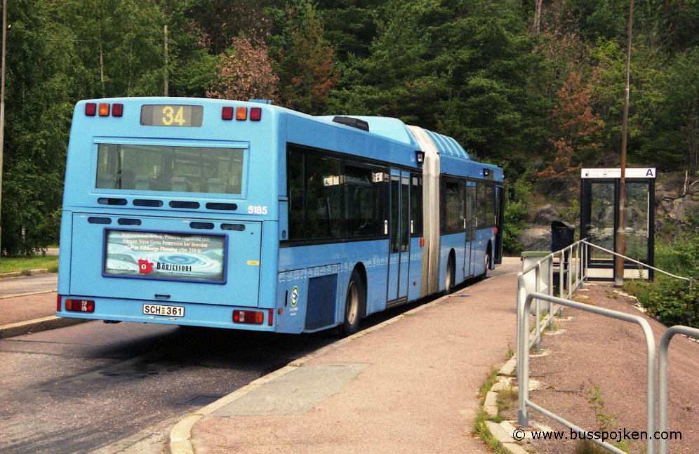 Swebus 5185 at route 34, by the northern terminus in Tuve, july 2003.