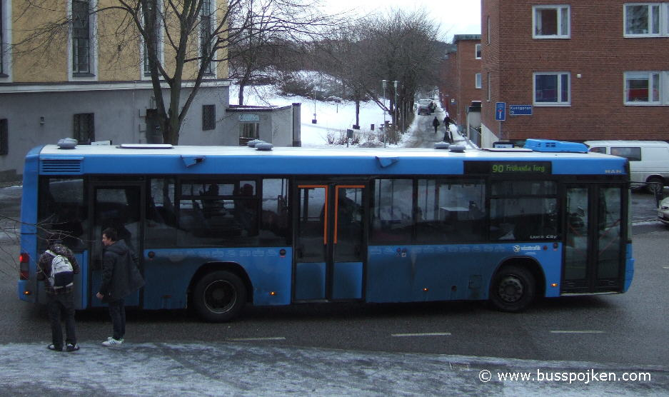 GS 126 at route 90 by Kustgatan in January 2010.