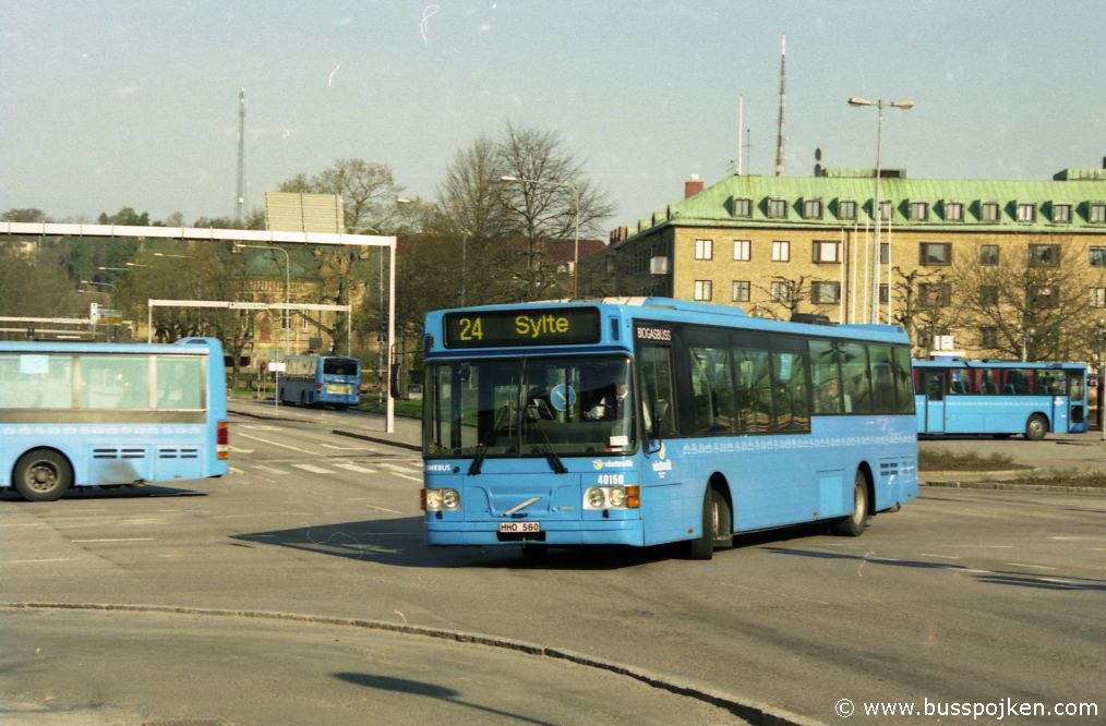 Nobina 4650-24, by Drottningtorget in Trollhättan.