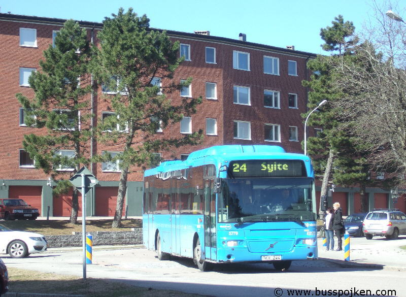 Nobina 5779-24, near Karlsporten in Trollhättan.