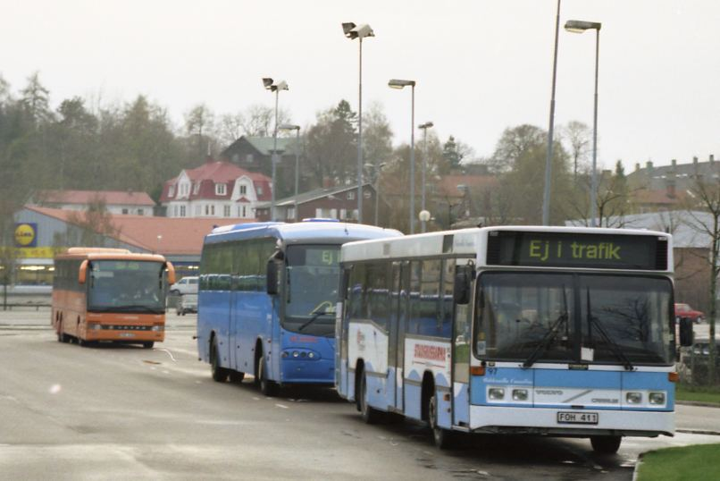 Orange express 1420, some Vänersborg linjetrafik, and Uddevalla 97.